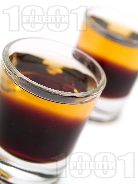 Шот хлебарка (Cockroach) с уиски и калуа - снимка на рецептата